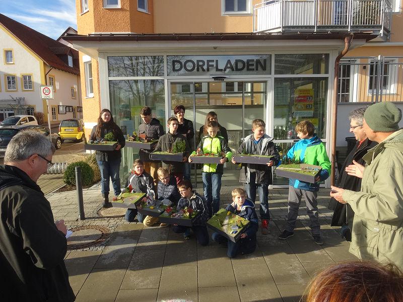 Präsentation der Dioramen im Dorfladen